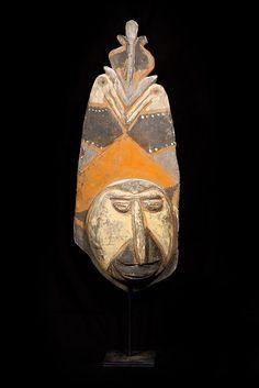 New Guinea Wosera Balsa Head Mask with Stand