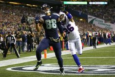 ONE hand held behind his back! TWICE!! #JimmyGraham #Seahawks tight end Jimmy Graham catches a touchdown with one hand in the second quarter. (Dean Rutz / The Seattle Times)