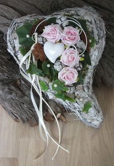 Funeral Flower Arrangements, Funeral Flowers, Cemetery Decorations, Hygge, Grapevine Wreath, Embroidery Stitches, Christmas Stockings, Diy And Crafts, Floral Wreath