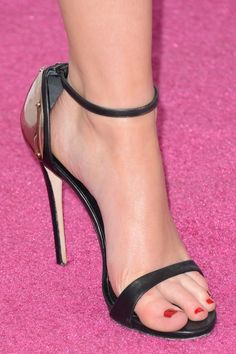 Jennifer Lawrence Evening Sandals - Jennifer Lawrence Shoes Looks - StyleBistro
