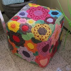 Discussion on LiveInternet - Russian Service Online Diaries Crochet Mandala Pattern, Granny Square Crochet Pattern, Freeform Crochet, Knit Or Crochet, Crochet Squares, Double Crochet, Crochet Hooks, Crochet Patterns, Crochet Floor Cushion