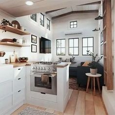 Tiny House Ideas: Inside Tiny Houses - Pictures of Tiny Homes Inside and Out (videos too!) House Ideas: Inside Tiny Houses - Pictures of Tiny Homes Inside and Out (videos too!) Tiny House Interior Photos and Images – Tiny House Ideas an. Inside Tiny Houses, House Inside, Home Design Plans, Home Interior Design, Tiny Homes Interior, Interior Ideas, Interior Photo, Plan Design, Modern Tiny Homes