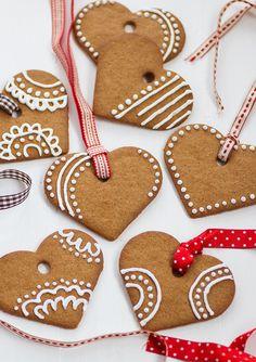 nordic style ᶜ ʰ ʳ ᶤ ˢ ᵗ ᵐ ᵃ ˢ Easy Christmas Cookies Decorating, Christmas Cookies Kids, Christmas Snacks, Christmas Cooking, Cookie Decorating, Easy Gingerbread Cookies, Gingerbread Decorations, Biscuit Decoration, Christmas Challenge
