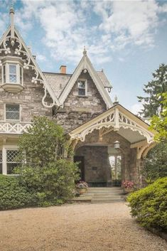 1849 Gothic Revival For Sale In Bronxville New York — Captivating Houses, - Web 2020 Best Site Victorian Cottage, Victorian Homes, Victorian Gothic, Gothic Lolita, Bronxville New York, American Gothic House, Old Style House, Modern Gothic, Stone Houses