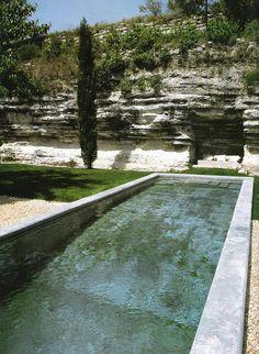~linen & lavender: Design Daily - the ultimate lap pool My Pool, Pool Water, Langer Pool, Courtyard Pool, Pool Fountain, Pool Coping, Natural Swimming Pools, Bali, Modern Pools