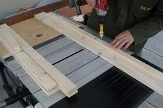 Table Saws Homemade Table Saw Fence System Woodworking Saws, Woodworking Projects That Sell, Woodworking Crafts, Circular Saw Reviews, Best Circular Saw, Table Saw Fence, Diy Table Saw, Homemade Tables, Small Cafe Design