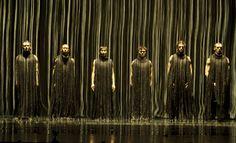 Compagnie Käfig in Yo Gee Ti di Mourad Merzouki - Danza Effebi Greek Chorus, Pina Bausch, Two Of A Kind, Winter's Tale, Contemporary Dance, Scenic Design, Senior Photos, Art Direction, Mists