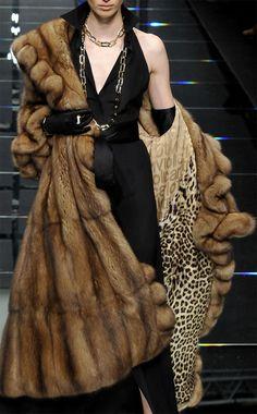 Sable fur coat. V