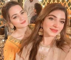 Curly Hair Designs, Curly Hair Styles, Kinza Hashmi, Video Full, Pakistani Actress, Actresses, Poses, Celebrities, Wedding