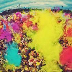 В это воскресенье 28 июня Измайловский Парк станет ярче на целую тонну краски! В этот день пройдет летний фестиваль красок Холи.