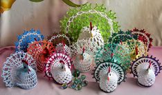 2owieczki: marca 2014 Hens, Crochet, Easter, Diy, Animaux, Bricolage, Easter Activities, Ganchillo, Do It Yourself