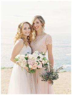 Beach wedding in San Diego wedding. Florist: plentyofpetals.com, Carmen Santorelli Photography