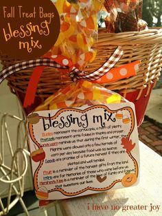 treat bags blessing mix One of our favorite fall and Thanksgiving treats is Blessing Mix! Mix it up and pass along some love to someone this fall! If you'd like to print snack mix labels, you can use Avery 8164 ship… Thanksgiving Favors, Thanksgiving Parties, Thanksgiving Blessings, Thanksgiving Teacher Gifts, Thanksgiving Sayings, Fall Teacher Gifts, Thanksgiving Activities, Halloween Teacher Gifts, Thanksgiving Projects