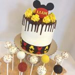 Mickey Mouse inspired drip cake and cake pops by Kim's Sweet Karma. https://m.facebook.com/Kimssweetkarma/