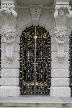schloss linderhof, germany door