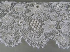 Irish Crochet Lace Motifs | Antique Irish Crochet Lace Trim Edging c.1900 over 6 yds Raised Petals ...