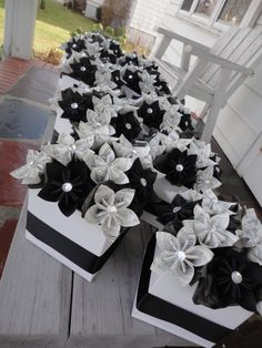 Items similar to Sheet Music Centerpieces Origami Kusudama Paper Flower Centerpieces Black White - 10 on Etsy Music Centerpieces, Banquet Centerpieces, Paper Flower Centerpieces, Wedding Centerpieces, Wedding Decorations, Origami Flowers, Paper Flowers Diy, Diy Paper, Black And White Centerpieces