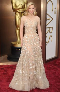 The most beautiful red carpet looks     Picture    Description     - #RedCarpet https://looks.tn/celebrity/red-carpet/red-carpet-looks-189/