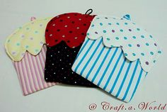 Cupcake Oven Mitt - think these would be so cute for my little ones play kitchen