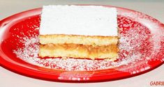 Cartofi gratinati la cuptor cu branza, cascaval, sunca, oua si smantana Vanilla Cake, Cheesecake, Desserts, Recipes, Food, Hobby, Tailgate Desserts, Deserts, Cheesecakes