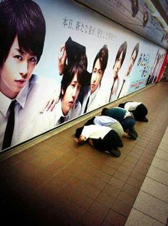 Arashi fans who are much talked about--- I would be one of these if I were in Japan!!
