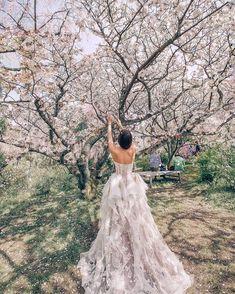 Gorgeous Sakura and princess wedding gown Bertel from the Floral Paradise by Rara Avis Stunning Wedding Dresses, Princess Wedding Dresses, Designer Wedding Dresses, Bridal Dresses, Hipster Vintage, Style Hipster, Open Back Wedding Dress, Perfect Wedding Dress, Diy Art