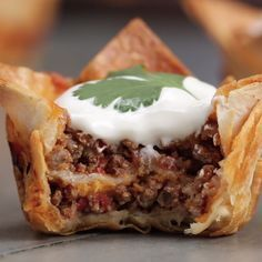 Crunchy Taco Cups                                                                                                                                                                                 More Cupcake In A Cup, Beef Recipes, Mexican Food Recipes, Cooking Recipes, Ethnic Recipes, Fun Recipes, Appetizer Dips, Clean Eating Recipes, Mexican Dishes