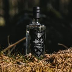 Crafted from the finest grain spirit  and combined with a carefully curated blend of traditional and local botanicals before being cut with fresh, filtered Scottish water.  The botanicals include green juniper and aromatic coriander as well as orris root, caraway seeds, wormwood and wild thistle which grows in abundance around the distillery in Angus.   Best served with a quality tonic, lots of ice and a twist of citrus.
