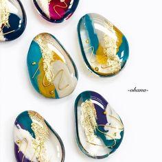 Handmade by -ohana-さんの作品一覧 Cute Jewelry, Diy Jewelry, Handmade Jewelry, Resin Crafts, Resin Art, Mixed Media Jewelry, Soap Recipes, Contemporary Jewellery, Resin Jewelry