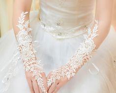 Alibaba グループ | AliExpress.comの 手袋& ミトン からの  中の レース ショート ホワイト フィンガー レス ファッション フラワー ガール レディ セクシー な ダンス パフォーマンス パーティー手袋送料無料