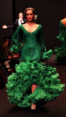 Not normally a fan of fringey bits but I LOVE this one. Also it's green.
