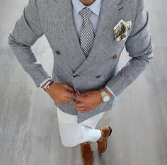 Men's style inspiration - suits - ties - pocket squares - We offer our customers the chance to purchase high quality products for low affordable prices! Such as bespoke clothing pieces, trinkets and customisable phone cases. Gentleman Mode, Gentleman Style, Mens Fashion Suits, Mens Suits, Fashion Menswear, Herren Style, Men With Street Style, Herren Outfit, Mens Attire