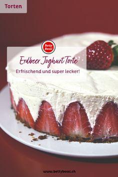 Eine erfrischend leichte Joghurt Torte! Wir geniessen die Erdbeer Saison solange wir nur können. Tiramisu, Cheesecake, Cakes, Ethnic Recipes, Desserts, Food, Strawberries, Dessert Ideas, Food Food