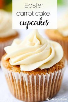 Carrot Cake Cupcakes - Super rich, soft and delicious cupcakes topped with a smooth cream cheese frosting! These adorable carrot cupcakes make the perfect Easter treat! Carrot Cupcake Recipe, Carrot Cake Cupcakes, Easter Cupcakes, Cupcake Recipes, Frosting Recipes, Buckwheat Cake, Salty Cake, Delicious Cupcakes, Cake Tins