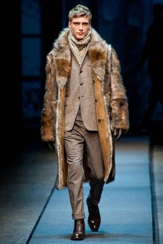 Canali Fall 2013 Menswear #PurelyInspiration Burberry Men, Gucci Men, Haute Couture Outfits, Fashion Show, Mens Fashion, Fashion Styles, Mens Fur, Fur Clothing, Lakme Fashion Week