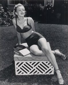 Marilyn Monroe at the Beverly Hills Hotel in 1952