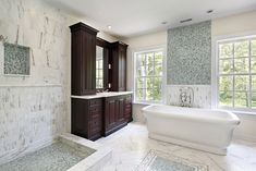 10-Luxury-White-Master-Bathrooms-You-Will-Love-to-Have-5 10-Luxury-White-Master-Bathrooms-You-Will-Love-to-Have-5
