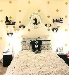 Disney home decor idea - Dekoration Ideen Disney Themed Bedrooms, Bedroom Themes, Bedroom Decor, Themed Rooms, Princess Bedrooms, Cozinha Do Mickey Mouse, Casa Disney, Disney House, Disney Disney