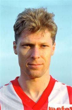 Peter Rasmussen, elegant angriber. Forlod AaB i 1997.
