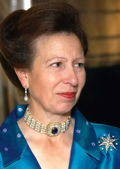 PRINCESS ANNE, is the only daughter of the Queen. As such, she is lucky to have first dibs on all of the incredibly jewels owned by her mother. That includes this one choker. Royal Tiaras, Royal Jewels, Crown Jewels, Queen Mary, Queen Elizabeth, Royal Princess, Diamonds And Gold, Royal House, Style Icons
