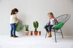 Kinderkamer ideeën - 10 leuke ideeën om de kinderkamer op te knappen Hanging Chair, Blue Bird, Feel Good, Van, Studio, Green, Plants, Room, Kids