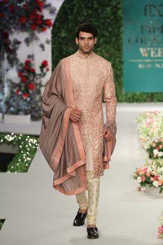 S fashion wedding sherwani, groom outfit Sherwani For Men Wedding, Wedding Dresses Men Indian, Wedding Outfits For Groom, Groom Wedding Dress, Sherwani Groom, Wedding Suits, Bridal Outfits, Wedding Wear, Bride Groom