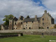 Il Castello di Aberdour visto dai suoi giardini a terrazza, #scozia