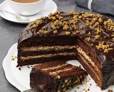 Owned by cocoa farmers. Made for chocolate lovers. Greek Sweets, Greek Desserts, Greek Recipes, Chocolate Week, Chocolate Fudge Cake, Chocolate Lovers, Delicious Desserts, Yummy Food, Gingerbread Cake