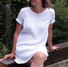 Le top Nell est le top parfait pour l'été avec ses 3 plis qui vous apporteront une légère amplitude féminine! Pour les manches, je vous propose 3 options!