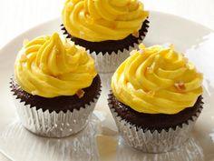 Gingerbread Cupcakes with Caramelized Mango Butercream