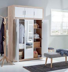 Smarte soveromsløsninger. FAVRBO garderobeskap, SILKEBORD stumtjener, EGEDAL benk | Nordic Bohem | Skandinaviske hjem, nordisk design, Skandinavisk design, nordiske hjem, soverom, lyst soverom | JYSK