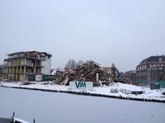 En dat is t einde van de #vanderklaauw toren! Ondanks sneeuw en kou, wordt er toch lekker doorgewerkt. #leiden