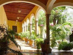 beautiful spanish patios - Google Search