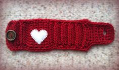 Valentine's Day Mug Cozy (Free Pattern) #CrochetValentines